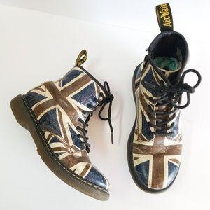 Dr. Martens Union Jack 8 eye Pascal combat boots